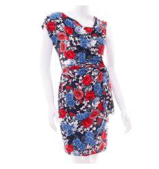 Virágos, ejtett ynakú, derekánál megkötős női ruha (2030)