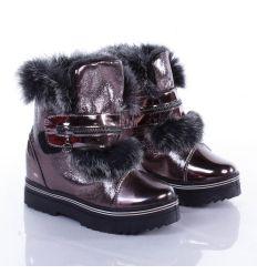 Bundás, rejtett éksarkú, tépőzáras női fényes anyagú/lakk cipő (B-15)